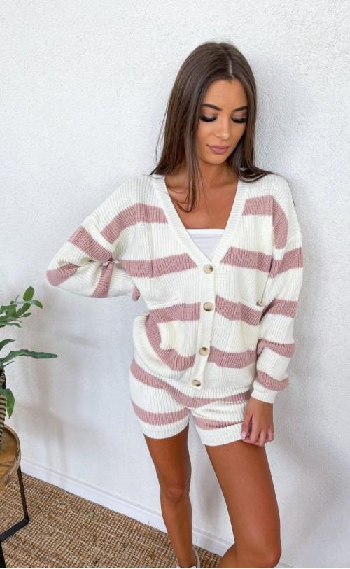 Komplet swetrowy w paski z szortami różowy 1040