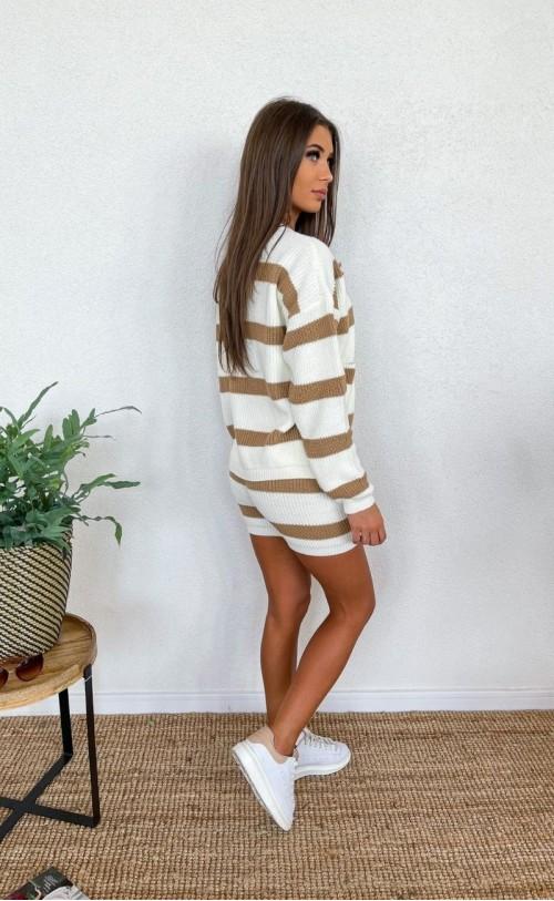 Komplet swetrowy w paski z szortami beżowy 1040